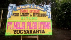 Toko Bunga Dekat  Sekolah Tinggi Hukum Bandung Jl. Cihampelas 8 Bandung